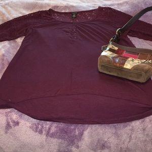 Torrid burgundy lace accent top sz.3x